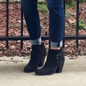 Banana Republic Ankle Boot